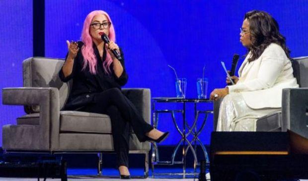 """Lady Gaga, la confessione: """"Violentata, abbandonata incinta a 19 anni"""""""