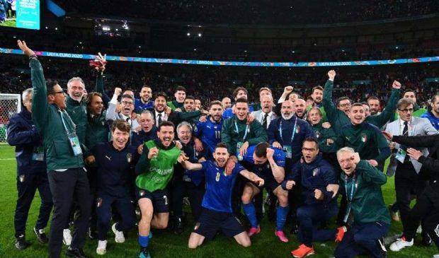 L'Italia batte la Spagna ai rigori, finale dell'Europeo un bel segnale