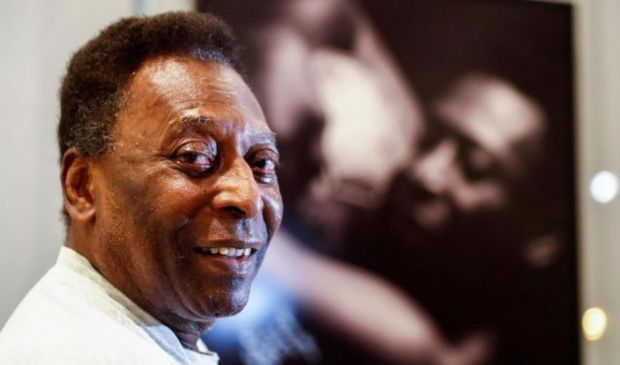 Pelé, la leggenda che non molla mai: esce dal dolore, da campione