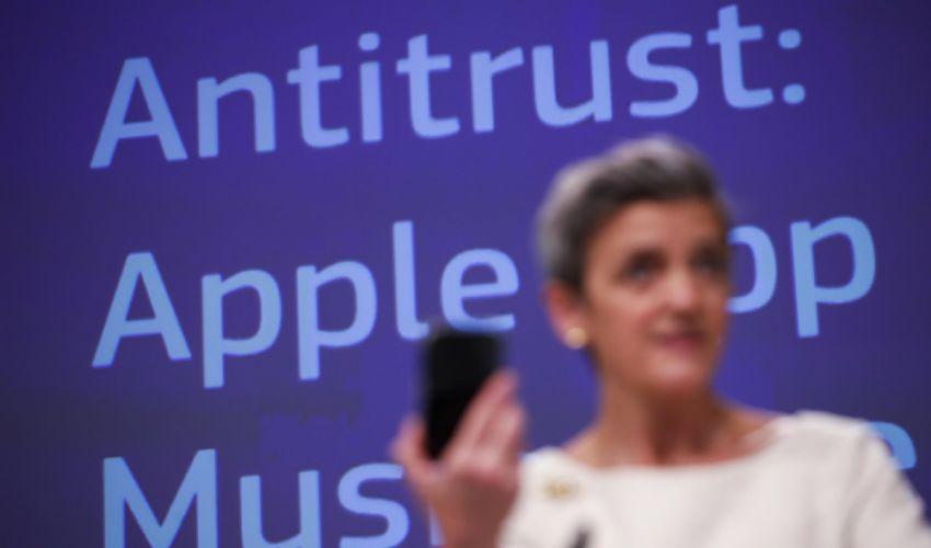 Musica, Apple accusata dall'Ue di violazione della concorrenza