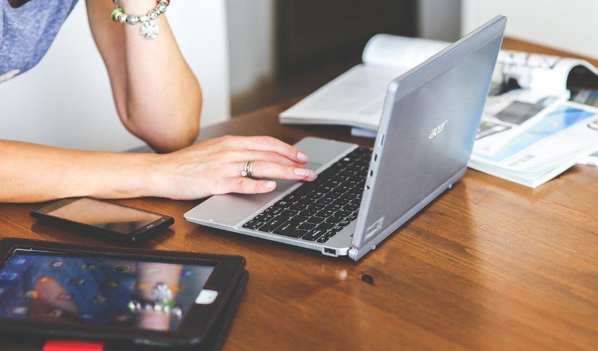 Bonus telefono, pc o tablet 2021: cos'è, come funziona e a chi spetta