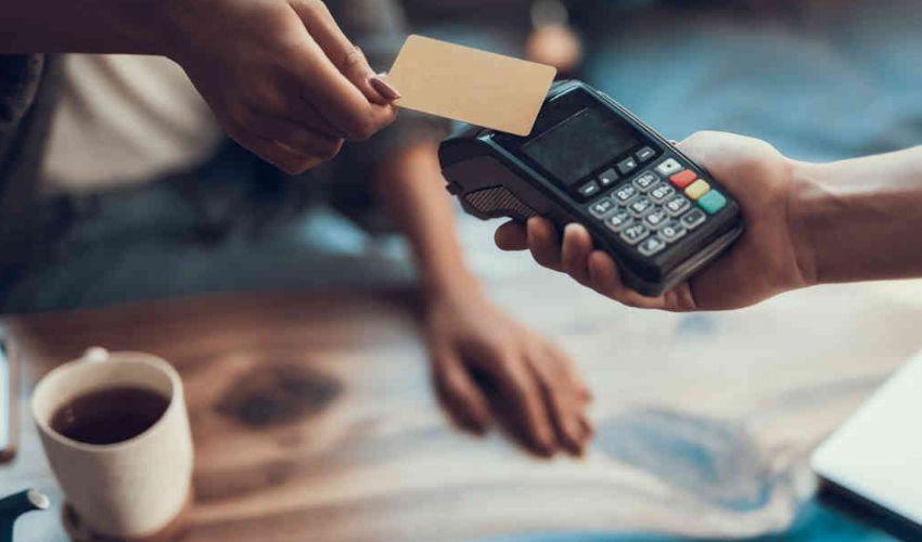 Cashback e pagamenti contactless: come risolvere il problema rimborsi