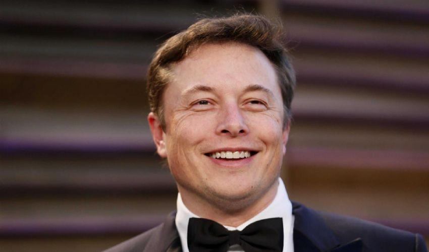 Elon Musk: chi è il fondatore di SpaceX e Tesla, biografia e famiglia