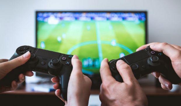 Boom di video games: giocatori invariati, ma più tempo alla console