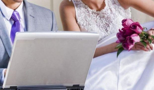 """Matrimoni via Zoom e Skype, come dirsi """"sì"""" anche a distanza"""