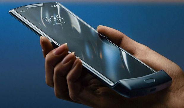 Motorola Razr: pieghevole, scheda tecnica, prezzo, quando esce