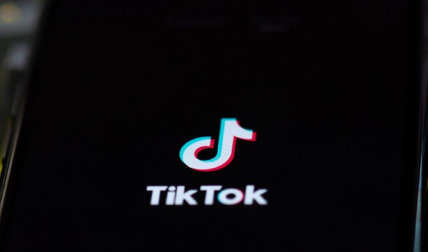 TikTok, blocco per minori di 13 anni: accolta la richiesta del Garante