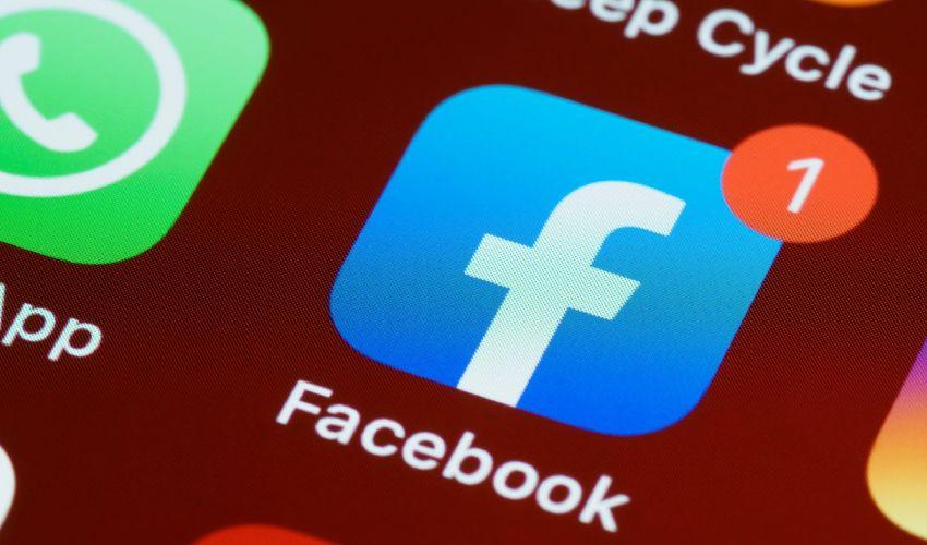 WhatsApp e Facebook: nuove condizioni dal 15 maggio, o niente servizio