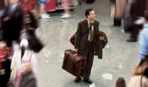 Paura del virus, vive 3 mesi in aeroporto, come in The Terminal