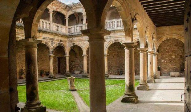 """Vacanze, l'ultima tendenza: in monastero o convento. 5 luoghi """"magici"""""""