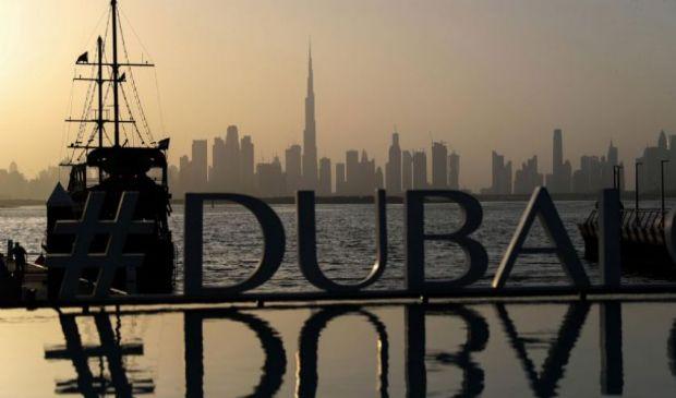 Dubai, vaccino obbligatorio e tampone per partecipare agli eventi