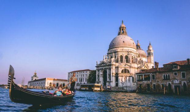 Venezia diventa a numero chiuso: turisti limitati e no grandi navi