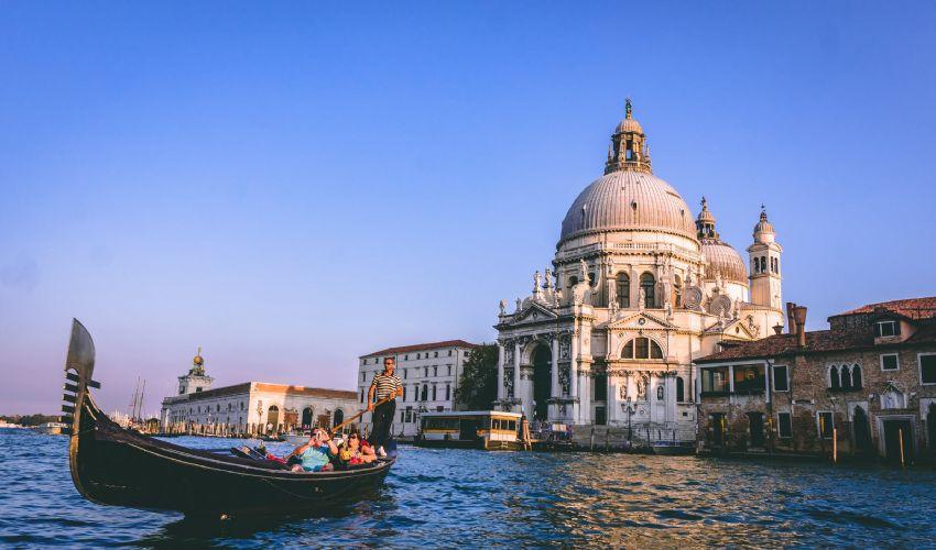 Venezia rischia di non essere più patrimonio Unesco, ecco perché