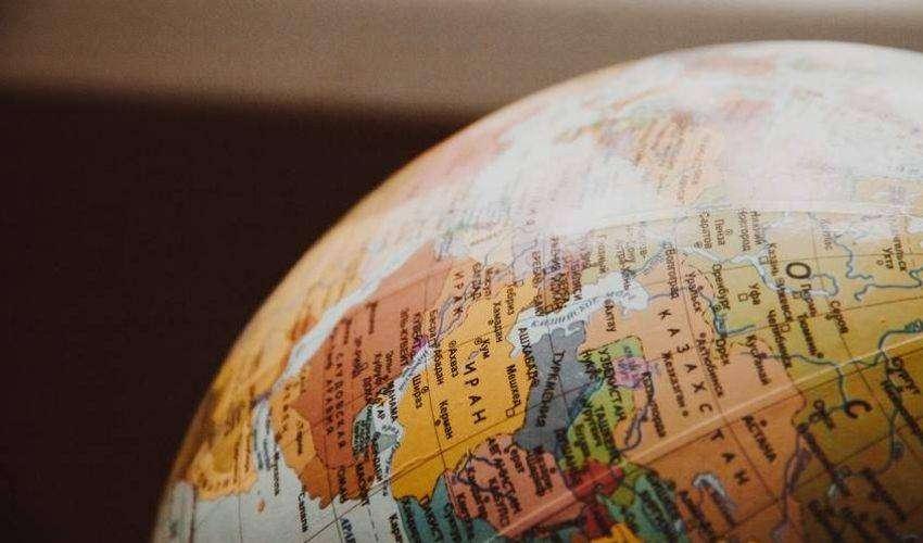 Tamponi e quarantena: obblighi e divieti per i viaggi in Italia