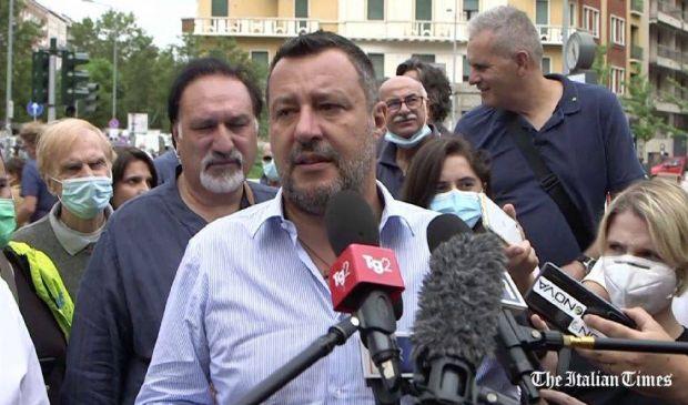 """Immigrazione, attacco di Salvini a Lamorgese: """"1500 sbarchi al giorno"""""""