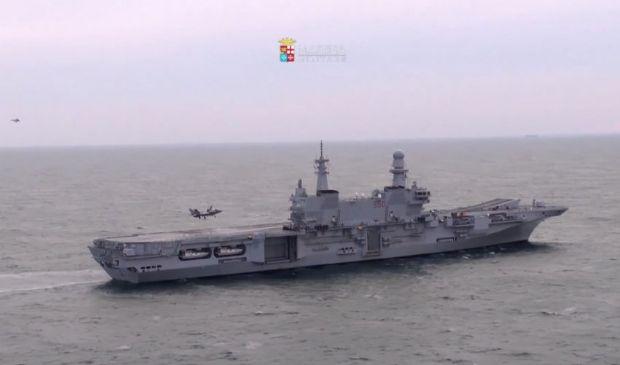 Marina militare primo appontaggio di un F35 Usa sulla portaerei Cavour
