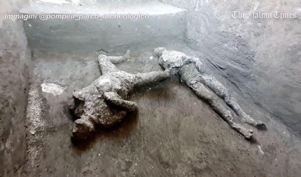 Pompei restituisce i corpi integri di due uomini uccisi dall'eruzione