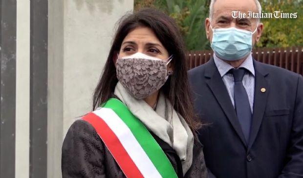 """Roma, Virginia Raggi dopo il Covid: """"Non abbassiamo la guardia"""""""
